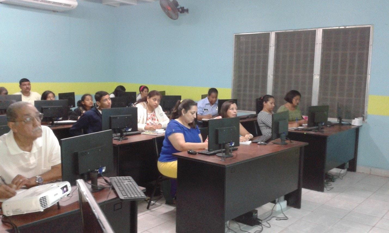 "Computerschulen ""Corazon de Maria"" und ""Padre Jose"""