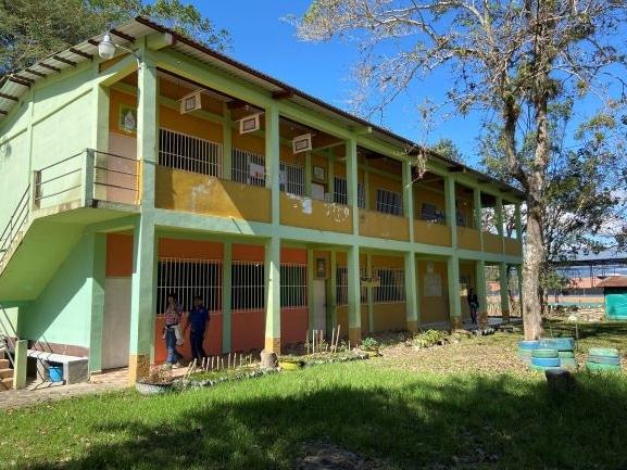 10 neue Computer für die Schule Instituto Copan Galel